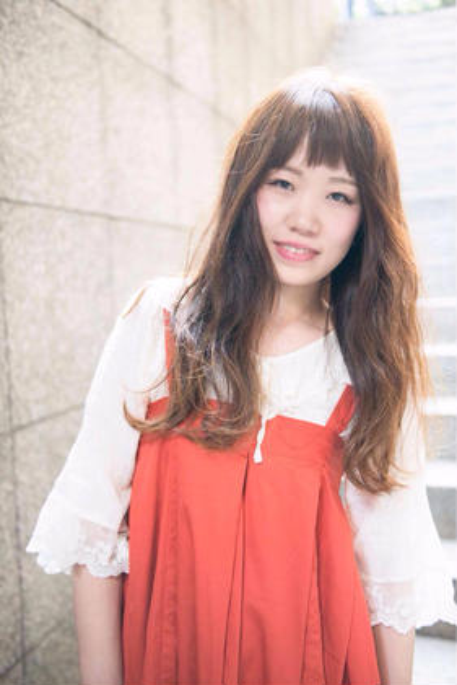前髪をザクザクに切ってロングに変化をプラス ブロッサム熊谷店所属・石井努のスタイル