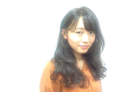 透け感グレイアッシュ MASHU北堀江所属・石田梨衣菜のスタイル