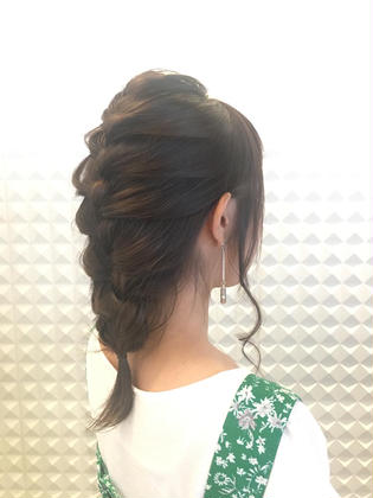 編み下ろしヘアアレンジ٩(ˊᗜˋ*)و Jente所属・佐竹菜摘のスタイル