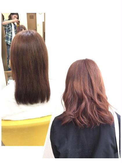 ヌーディーピンクラベンダー✳︎(黒染めから) 淡いピンクとラベンダーを発色させた、柔らかいラベンダーカラー。程よいアッシュベージュ感もあり、巻かないと 落ちついて艶があり、巻くと柔らかく、抜け感がでます。 光に当たると白く透け、色落ちも黄色くなりづらく可愛いです。  掲載写真は実際には黒染めしてある髪から、一度明るくしてカラーをしています。 今が明るければブリーチの必要は無いですが、 ブリーチした方が柔らかく鮮やかな発色になります。 FAIR LADY所属・佐藤大地のスタイル