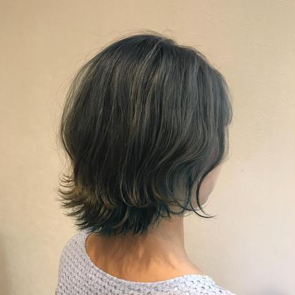 インナーはターコイズブルー… HAIR&MAKE  EARTHひたち野うしく店所属・ミヤタレオのスタイル