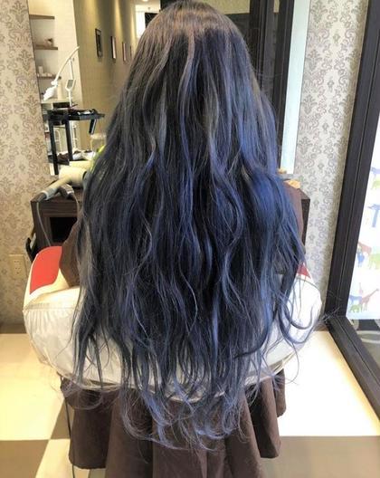 ・ブリーチあり ・ブルーアッシュ 大人気のブルー系 HAIR&MAKE AXIS所属・小野 厚稀のスタイル