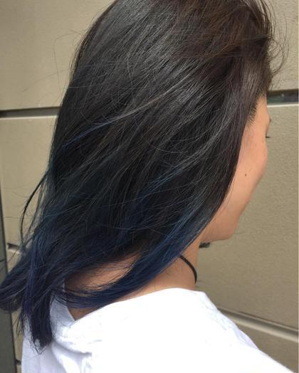 ブルージュ×ブルーのグラデーションカラー ベースは赤みを消したダークアッシュ  ブリーチの毛先ににインディゴブルーをオン。 アンジュベイナハ所属・赤木恵利加のスタイル