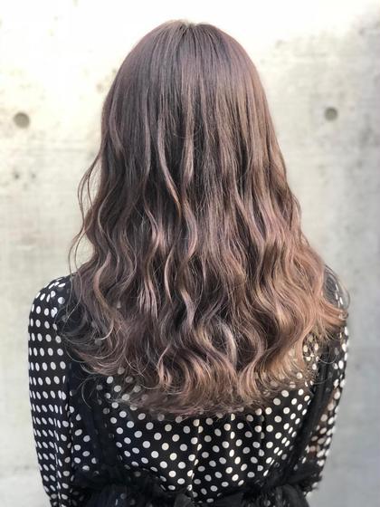 その他 カラー セミロング ブリーチ後バイオレットアッシュを入れて、透明感のある紫のようなグレージュのような光の当たり具合で髪色が変わるシークレットカラーに㊙️