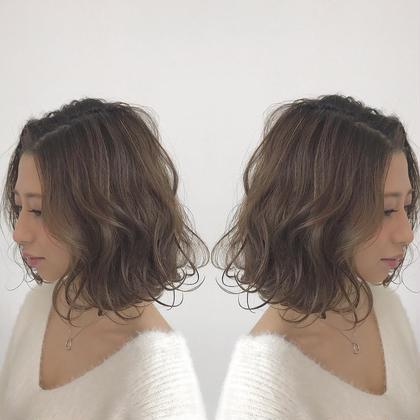 17/ssの新色のフォギーベージュ✨  アッシュの中にも透明感があって最高に可愛いです RAFTOKYO所属・takumi.店長・美容師歴12年のスタイル