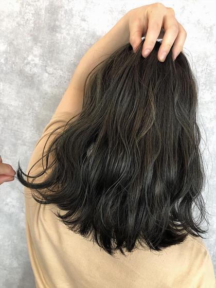 マットグレージュ YamashitaSatoshiのセミロングのヘアスタイル