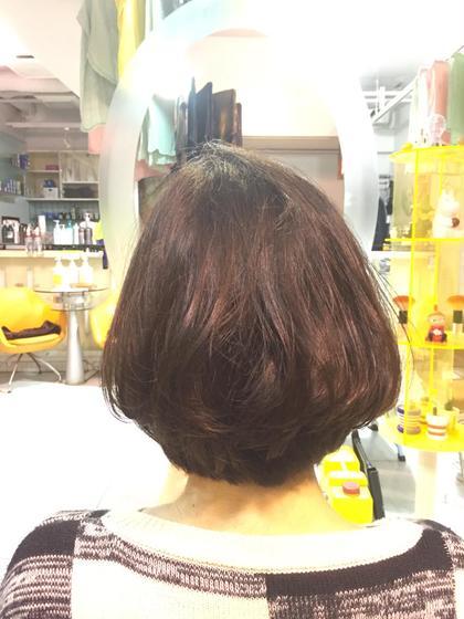 リップラインのボブスタイル♪重たく見えるけど内側の髪の毛をすけるだけすいて、内巻きに巻いてふんわりとなるように( ¨̮ )! Amour二子玉川所属・高橋麻衣のスタイル