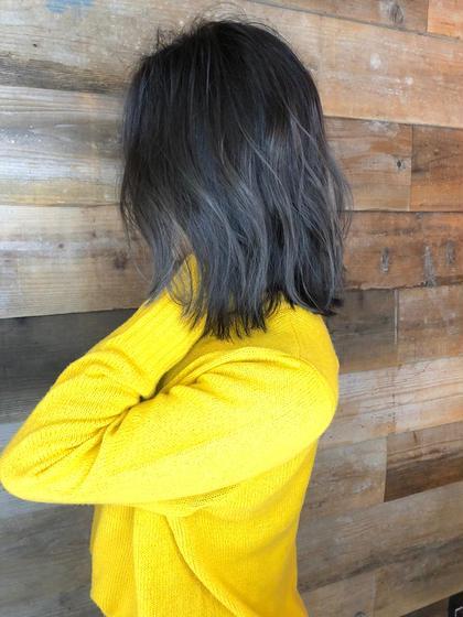 その他 カラー ショート ヘアアレンジ 【 ハイライト × グレージュ 】  グレーベースにハイライトを足したデザインカラーです🌟  細かいハイライトが退色してもメッシュっぽくならず自然と馴染むのでお客様から大好評です☺️  黒髪まではいきませんが、これだけトーンを落としても独自のこだわりのある選定で透明感たっぷりのグレージュカラーで重く見えません⚠️  写真の加工は一切してません🙅🏻♂️ 日陰でこの透明感ならもうわかりますよね😉  ブルージュ系も人気ですよ🌟