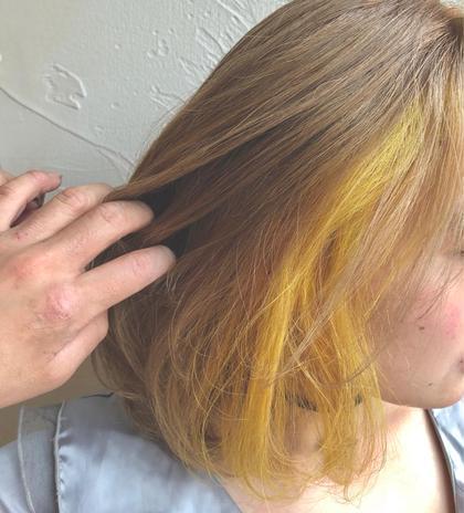 全体ブリーチをして ベースをベージュに インナーを黄色にしました! AusthairZeal所属・yumikaカラーリストのスタイル
