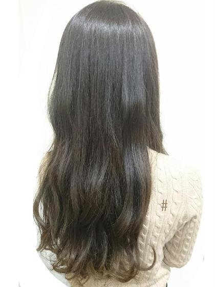 グラデーションカラー Frames hair&relax所属・荒居さやかのスタイル