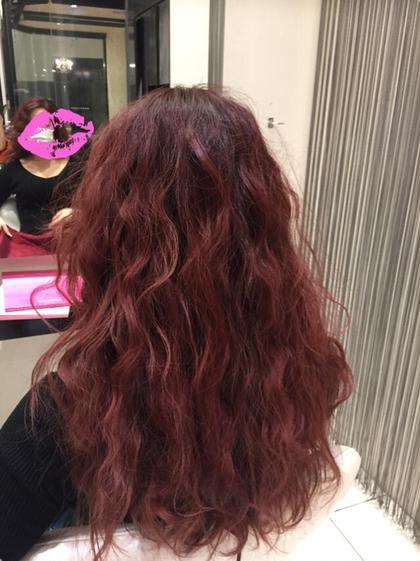 ビビットなレッドにヴァイオレットを混ぜて深みのある赤に✴︎ HAIR&MAKE    EARTH小田原所属・相良莉奈のスタイル