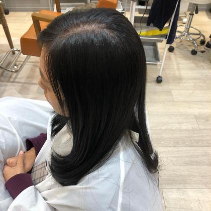 ブルーブラック!今後明るくする予定が全く無い方にオススメです。(明るくする予定が少しでもある場合は、オススメしません) 髪の強度がアップするトリートメントで仕上げました☆ 具志堅ヒサミの