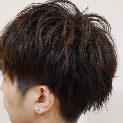 直毛でもパーマを当てるとセットしやすくなります。 CHIANTI梅田店所属・桑原大将のスタイル