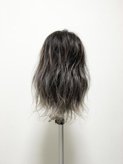 外国人風グラデーション♪アッシュグレイ♪ 立体的に見えるように3Dカラー♪ moana hair所属・西村孝宏のスタイル