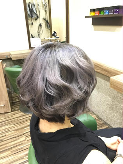 「あっ!ソフィーの髪の毛、星の光に染まってるね!」の色を再現しました  ブリーチ3〜4回 Hair Salon Be-one所属・田中陸のスタイル