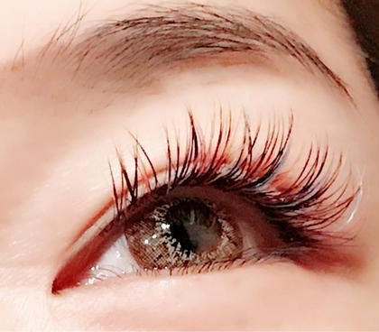 この時期、大変人気なのがカラーエクステ! ヘアーわ眼の色に合わせると優しい印象になります! 是非、お試しください。
