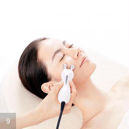 コアビューティー☘️低周波でお顔の筋肉を鍛えて、リフトUP!!