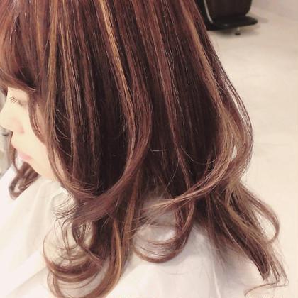 ピンクベージュ ハイライト Hairsalon 7{Na-na}所属・ayumiのスタイル