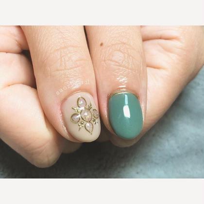 ネイル 親指は京都オパールを使ってます♡