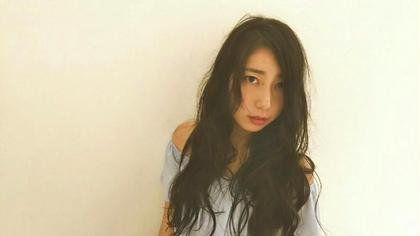 ドライな質感のふわふわパーマ LYCKA BELSA 所属・秋田健太のスタイル