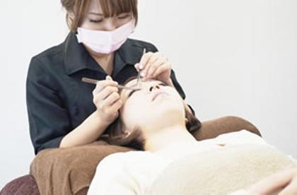 シニアスタッフ全員が美容師免許&衛生管理士免許保持。確かな知識と技術を持ち、お客様へ高い満足度を提供しています。 まつエクサロン セレビアイ町田所属・まつエクサロン セレビアイ町田のフォト