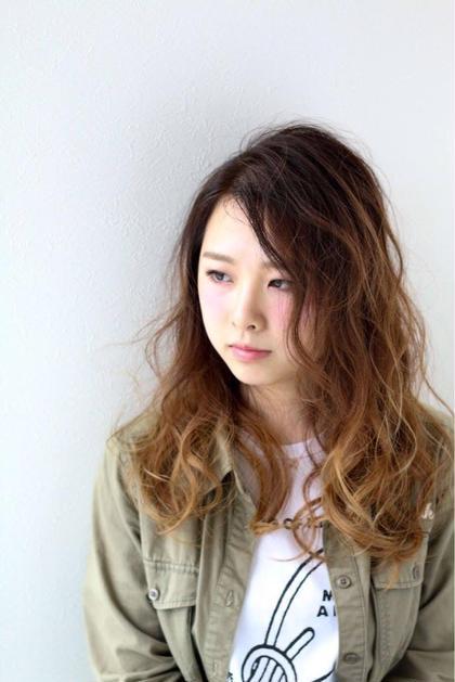 グラデーション˖✧◝( ・ω・ )◜✧˖° ふんわり巻き髪❤️ slow garden 別府店所属・井口裕美のスタイル
