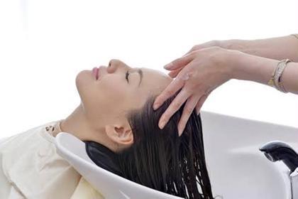 【カット】+【ヘッドスパ(20分)】毛穴クレンジング・髪が潤う