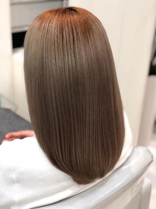 【Ash銀座 HP】  https://ash-hair.com/salondata/detail/244/   【Instagram】  https://www.instagram.com/ash.matsuryu/ Ash 銀座店所属・トップスタイリスト松崎 竜一のスタイル