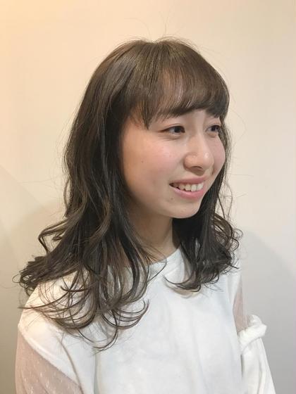 ロング ゆるふわロング♪  女の子の憧れのモテヘアNo.1(*^^*)  是非ロングヘアもも可愛くカットしてみませんか〜☆