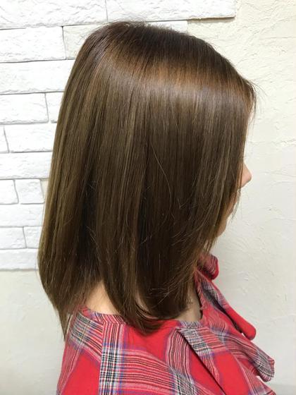 縮毛矯正とシルキーマットベージュのカラーです✨  ブリーチ毛ですが、状態によっては縮毛矯正も⭕️ですよ♪ Velvethair千早店所属・福岡聖容のスタイル