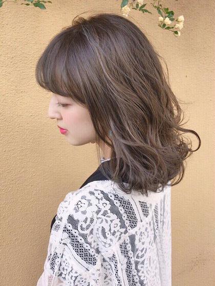 ご覧頂きありがとうございます。  東京、渋谷・原宿で美容室の店長をしています。 最寄り駅は明治神宮前駅、7番出口から徒歩5分です。  お客様の大切なヘアスタイルを ぜひ一度お任せ頂けると嬉しいです。  ヘアカラーにおいて  日本人独特の 退色後の赤味が気になる方。  透明感のあるカラーにしたいけど ブリーチに抵抗のある方。  黒染めをしてしまった方。  ぜひ一度お任せ下さい。  ヘアカラーの可能性は無限大です。  仕事の関係で派手なカラーにできない方にも もっとヘアカラーを楽しんで頂きたいです。  ライフスタイルにフィットするヘアを 一緒に考え、一歩先のお洒落のお手伝いを させて頂けると嬉しいです。  イメージの相談や 施術料金のご相談のみでも  ぜひお気軽にDMお待ちしております^ ^  #ボブ#ミニボブ#ショートボブ#ボブヘア#ボブヘアー#切りっぱなしボブ#外ハネボブ #外ハネ #パーマ #パーマスタイル #ショートヘア#ショートヘアアレンジ#ミディアムボブ #ボブアレンジ #ボブスタイル #ボブヘアアレンジ#ミディアム #ミディアムヘア #暗髪#髪型#髮型#髮型設計 #发型 #造型 #短髮#日系髮型#女生髮型 #女生短髮 #복구펌 #bob