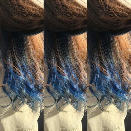 その他 カラー ロング インナーをブリーチして青のマニキュアで染め、ブルーカラーにしました^ ^ 青髪にブリーチは必須になります!