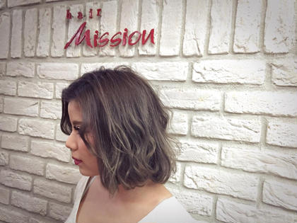S/Sトレンド 外人モノトーンカラー hair Mission所属・SasakiRuiのスタイル