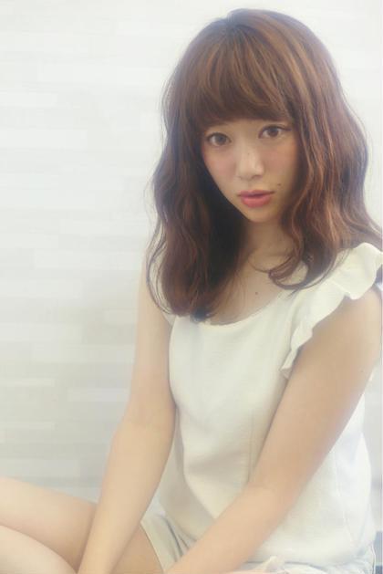 シナモンセミディ☆透明感のあるカラーと柔らかウェーブで女子力アップ^o^ RAD GINZA所属・山口愛のスタイル