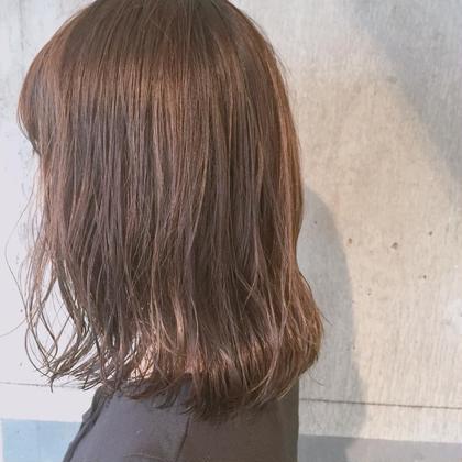 切りっぱなしロブです♡! またまた切りっぱなし♡  カラーも秋っぽさを出した マロンブラウンが 秋服とお似合いです♡ かわいいですー♡♡♡ newton所属・サトウアヤミのスタイル