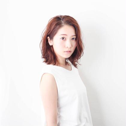 ベージュとくせ毛風パーマ♪ヘアカタ Emeli所属・浜岡佳のスタイル