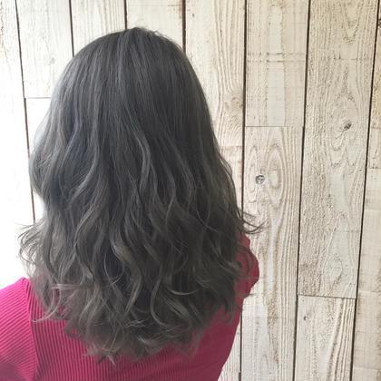 イルミナによる透明感抜群グレー系⭐️ TopStylist助野薫樹のヘアスタイル・ヘアカタログ