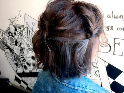 インナーカラー⋆*✩ 内側をブリーチ2回してグレージュに♥⃛ とってもいい色です((o(*'▽'*)o)) hair design BEER所属・中川葉璃香のスタイル