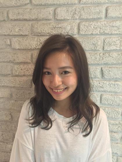 アッシュカラー☆ 透明感のある外人風☆ ブリーチは使っておりません! MASHUADOBE店所属・藤田幸奈のスタイル
