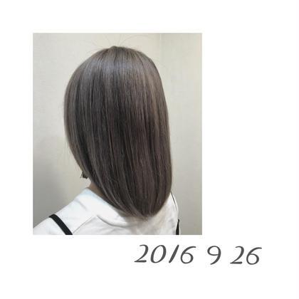 ブリーチ毛で色がとても抜けていたので、奇抜さを抑える為、プラチナカラーにしました✨ loops仲町台所属・きくたあすかのスタイル