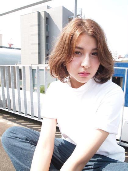 グレージュカラーにうざバングで外国人風ボブ☆ Trois epis所属・鈴川拓郎のスタイル