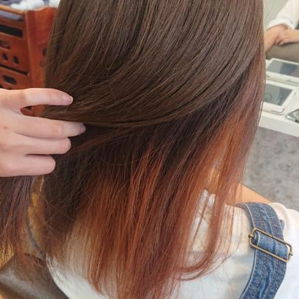 オレンジのインナーカラー☆ インナーカラーとベージュカラーがなじんでいいかんじです♪