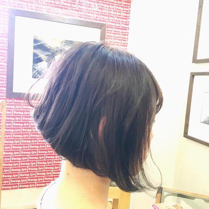 Pink x Gray x Ash いつもピンク系で染める人も、アッシュ系で染めている人もちょっとだけ気分を変えたい時にオススメです! 短めのBobスタイルで全体的に軽く、耳周りを軽くするおかげで 耳にもかけやすくこれからの季節暑くなっても涼しげな夏のスタイルです(^^) Ynnie所属・TakumiYnnieのスタイル