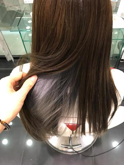 インナーカラー‼️シルバーーーーー‼️ HAIR & MAKE EARTH 松山銀天街店所属・寺崎文亮のスタイル