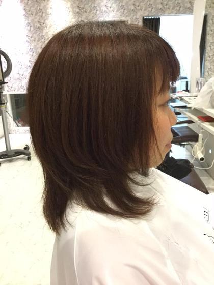前上がりのカットラインで内に入るように。 レイヤーを入れ、トップはふわっと hair design Lorran,ell eyelash salon篠木店所属・今村麻衣のフォト