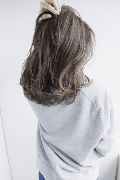 大人気!アッシュグレージュ❤︎暗くても透けちゃいます*\(^o^)/*✧ おやまだ しおり のミディアムのヘアスタイル