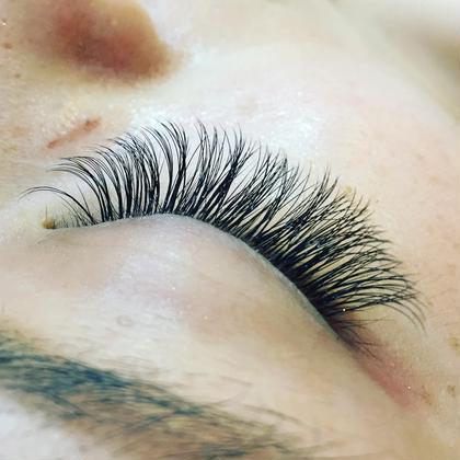 ボリュームラッシュ  ふわふわ!柔らかいエクステでボリュームが出せます♡  eyelash salon  LUNA所属・EyelashLUNAのフォト
