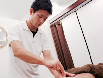 鍼の種類は様々で最も細い物では髪の毛よりも細く優しい刺激です。鍼は怖くて痛い物ではないんですよ(^^) HIRO鍼灸サロン所属・青山宏のフォト