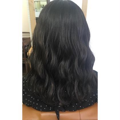 ❤︎ アッシュ 5トーン ❤︎ 長南磨依のセミロングのヘアスタイル