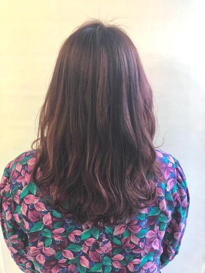 カラー セミロング 髪の傷みを出来るだけ最小限にハイライトをたっぷりと入れて仕上げました💓🌸 ピンクグラデーションです☺️